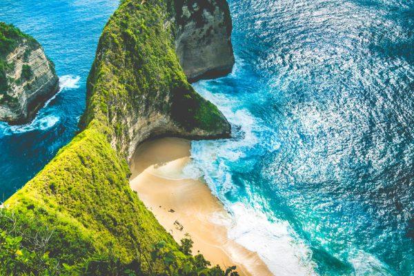 Teluk Manta atau Pantai Kelingking di Pulau Nusa Penida, Bali, Indonesia